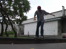 Švára - Tailslide to fakie