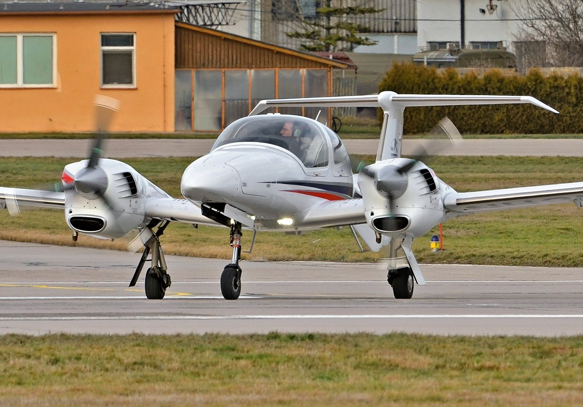 Diamond DA42NG Twin Turbo    Private    N43WF